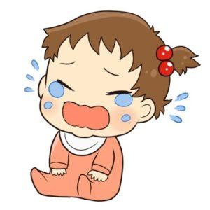 泣いている女の子の赤ちゃん